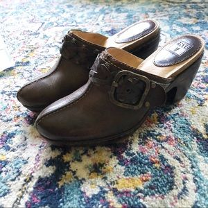 FRYE Candice Brown Leather Woven Clogs 7M
